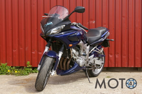 Yamaha FZ 600 Fazer 2004.g