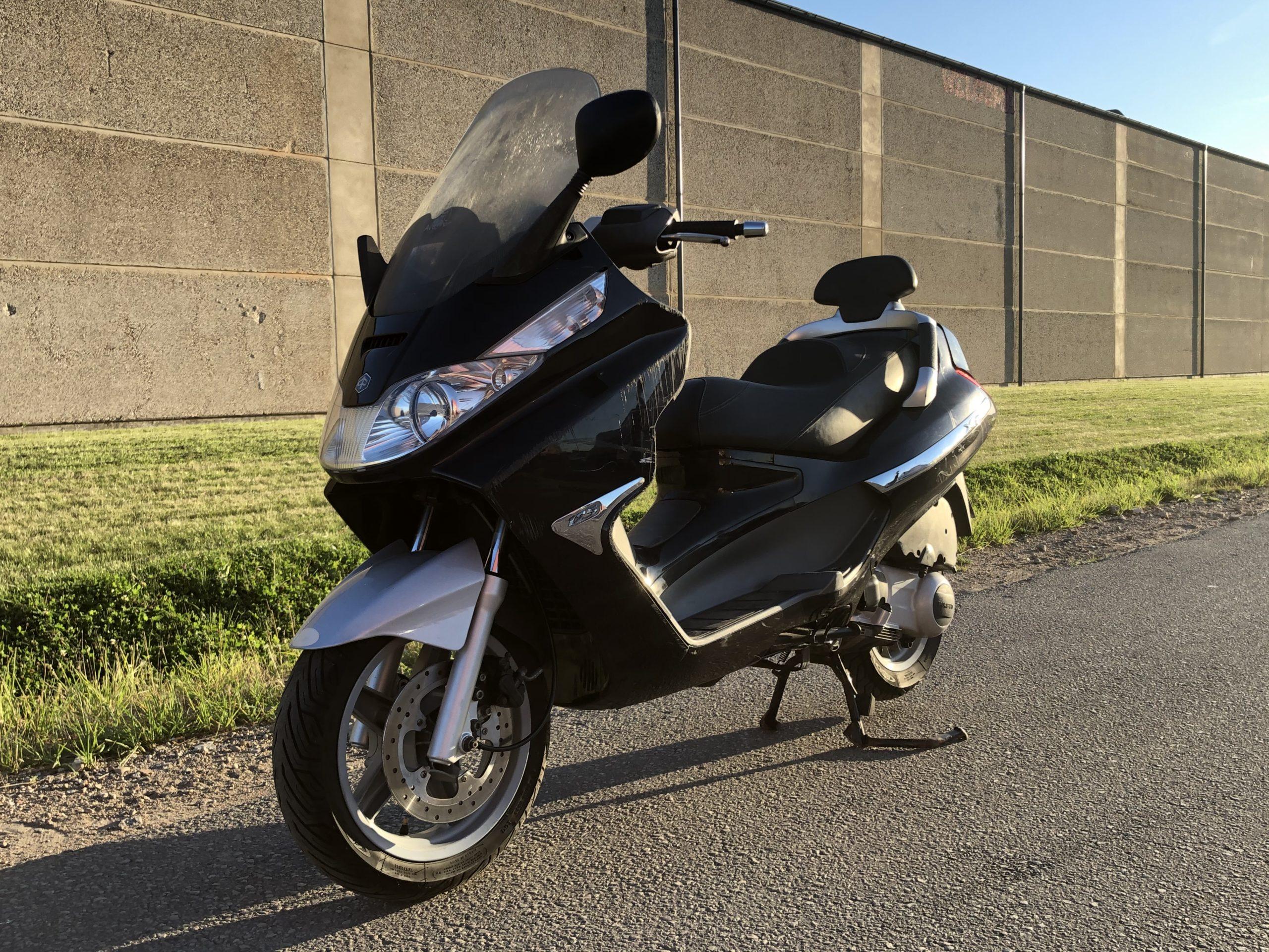 Piaggio X8 125 cc 2006.g
