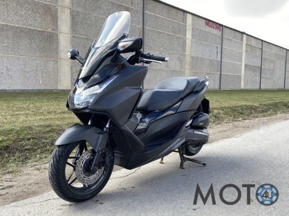 Honda Forza 125 dark grey 2016